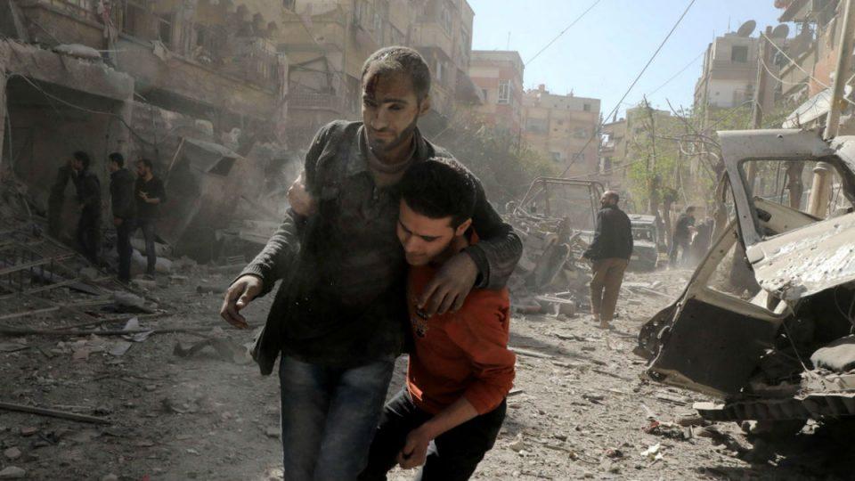 جريح جراء القصف على إدلب