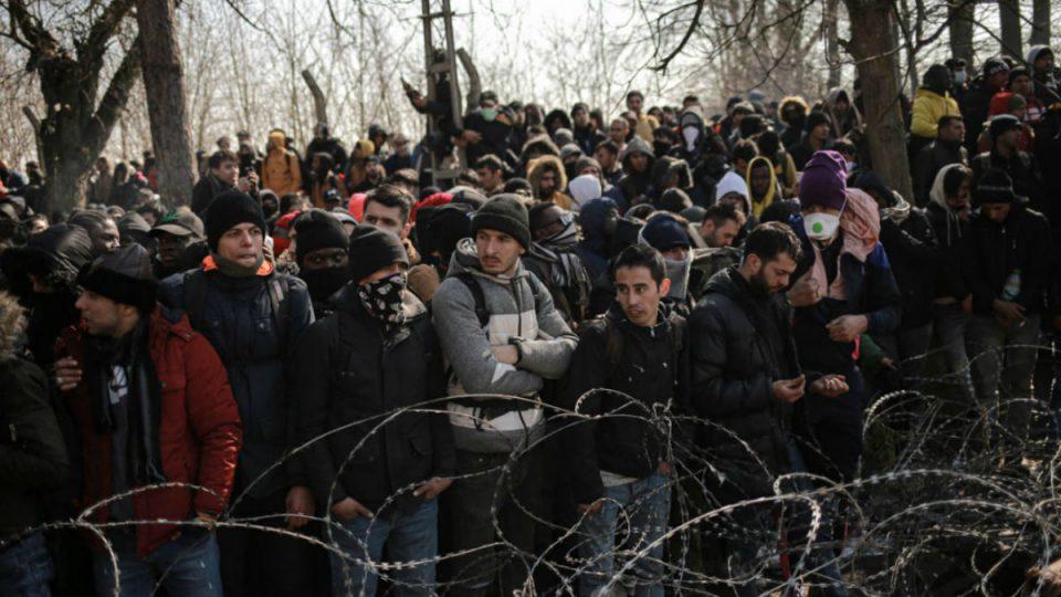 اللاجئين على حدود اليونان